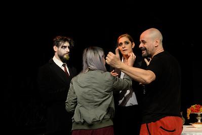 Η ΨΕΥΤΟ-ΥΠΗΡΕΤΡΙΑ  (Backstage)