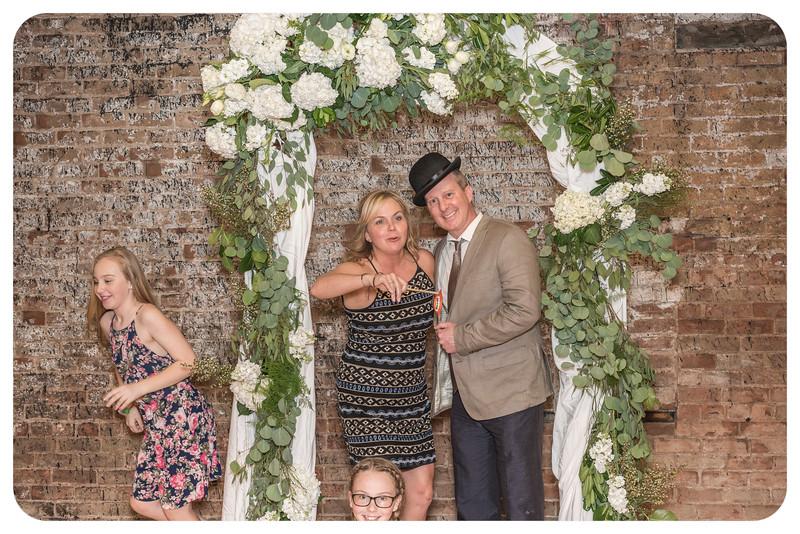 Laren&Bob-Wedding-Photobooth-162.jpg