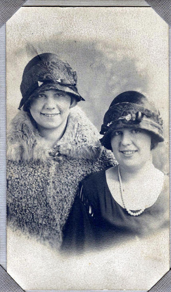 Ella Anderson (on left)