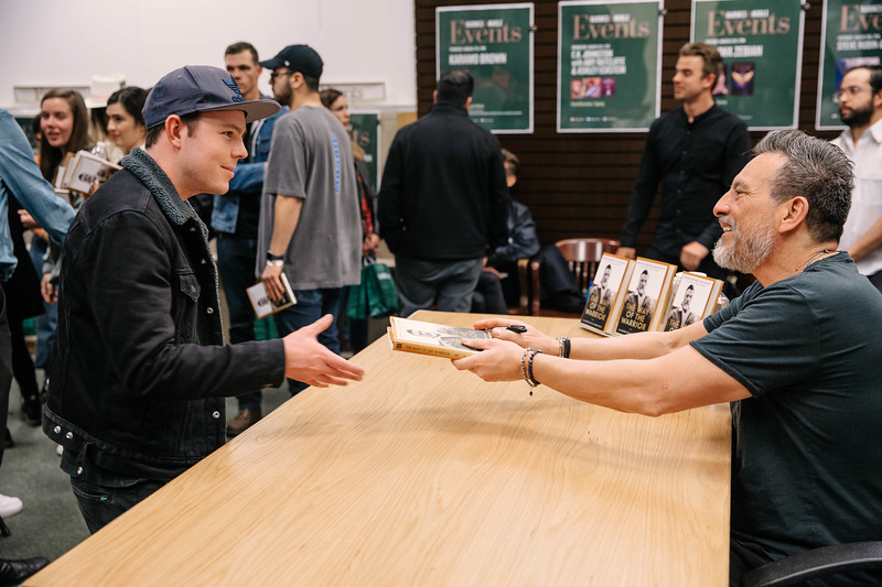 2019_2_28_TWOTW_BookSigning_SP_485.jpg