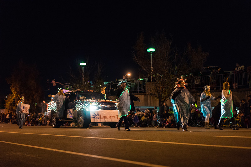 Light_Parade_2015-07952.jpg