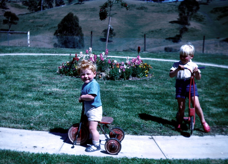 1972-11 (16) Andrew 3 yrs 3 mths & Allen 18 mths.jpg