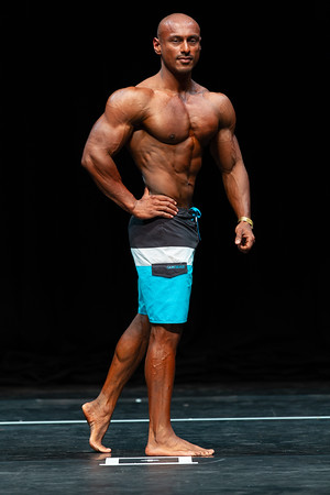 MUSCULAR MEN'S PHYSIQUE