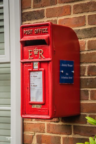 Joicey House Mailbox St Swithun St LR-6134.jpg