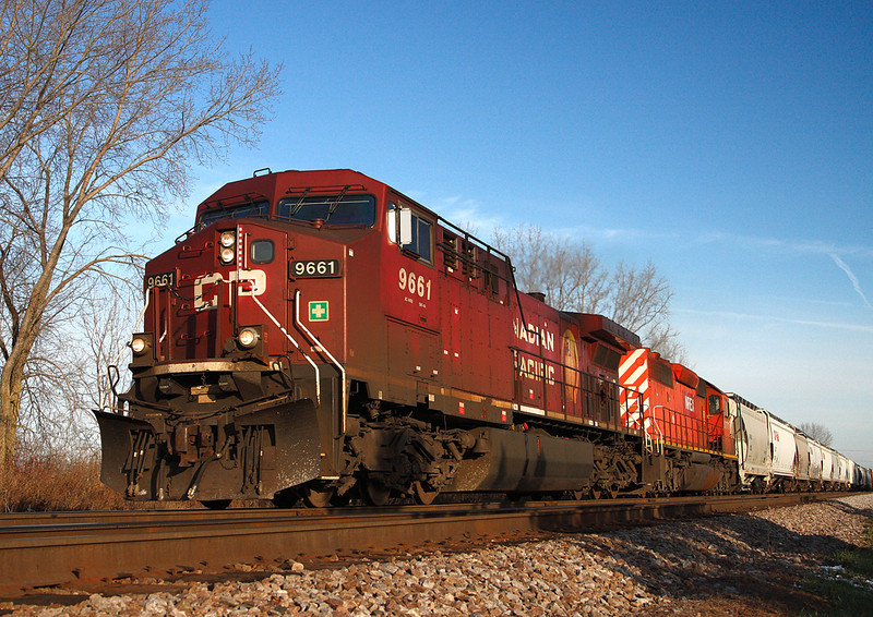 Canadian Pacific 9661 (GE AC4400CW) - Brookfield, WI