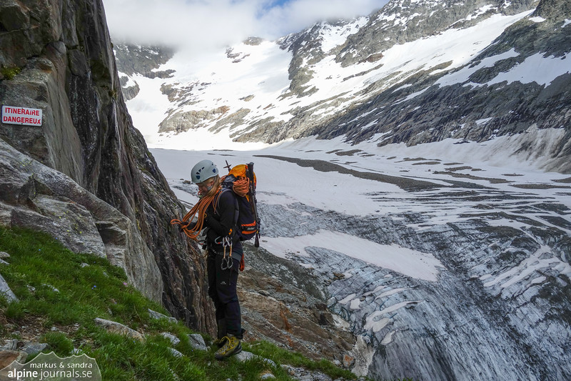 View to the Tre la Tete glacier, after the ladders on the old summer way.