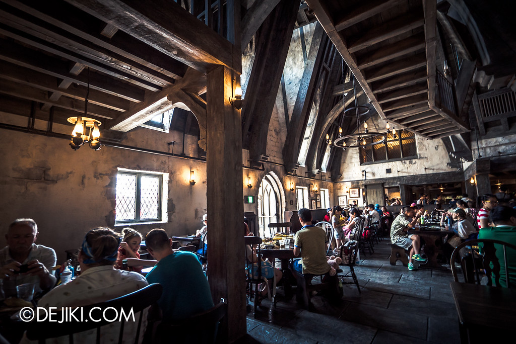 Universal Studios Japan - The Wizarding World of Harry Potter - Three Broomsticks restaurant overview
