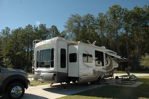 Journal Site 54: Rayford Crossing RV Park, The Woodlands, Texas,  -  November 22, 2006