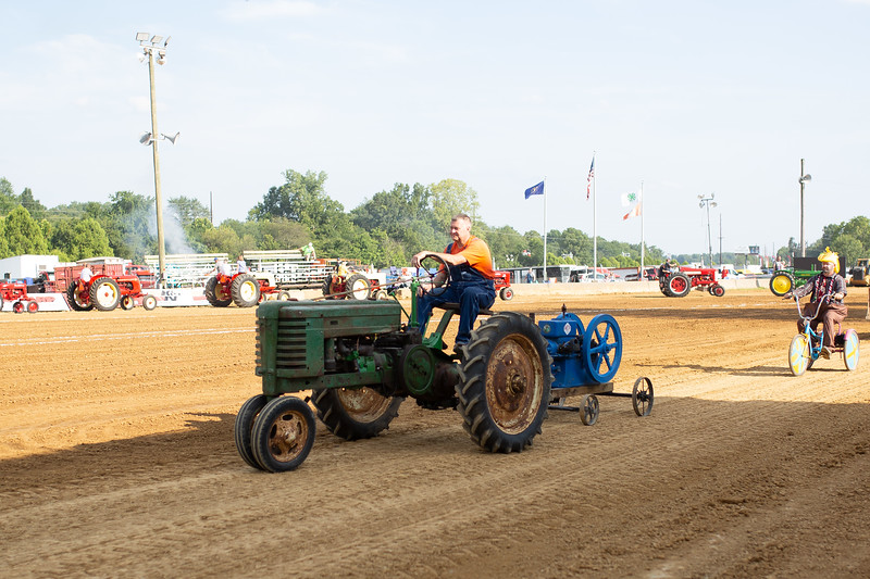 Antique Tractor Parade-30.jpg