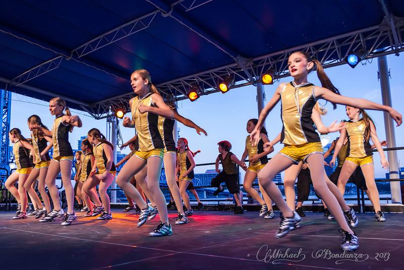 SJSD_Arts_Walk_Performance_088.jpg