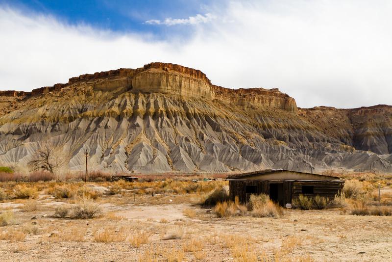 Barvy vrstev půdy a tedy i úbočí kopců byly až neuvěřitelně rozmanité.