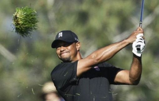 """. <p>10. (tie) TIGER WOODS <p>Picks up right where he left off last year. In the rough. (unranked) <p><b><a href=\'http://espn.go.com/golf/story/_/id/10350447/tiger-woods-shoots-79-farmers-insurance-open\' target=\""""_blank\""""> HUH?</a></b> <p>   (Associated Press)"""