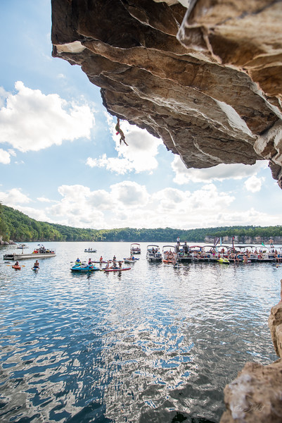 Deep-Water-Soloing-PSICOBLOC-2016-Summersville-Lake-West-Virginia-Photo-by-Gabe-DeWitt-113