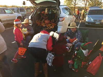 10-25-17 NEWS Trunk-or-Treat at First Baptist, TM