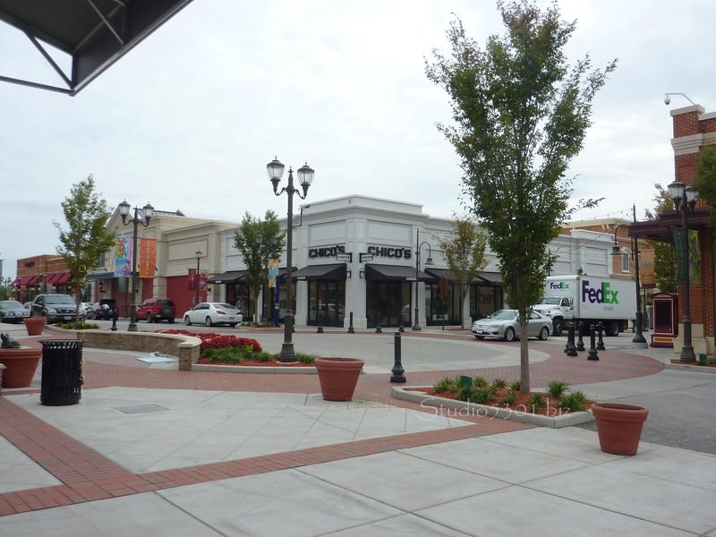 ZonaRosa  mall 0910 KC (3).JPG