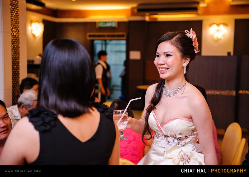 Chee Hou + Li Li - Actual Day Bride Dinner -_-122.jpg