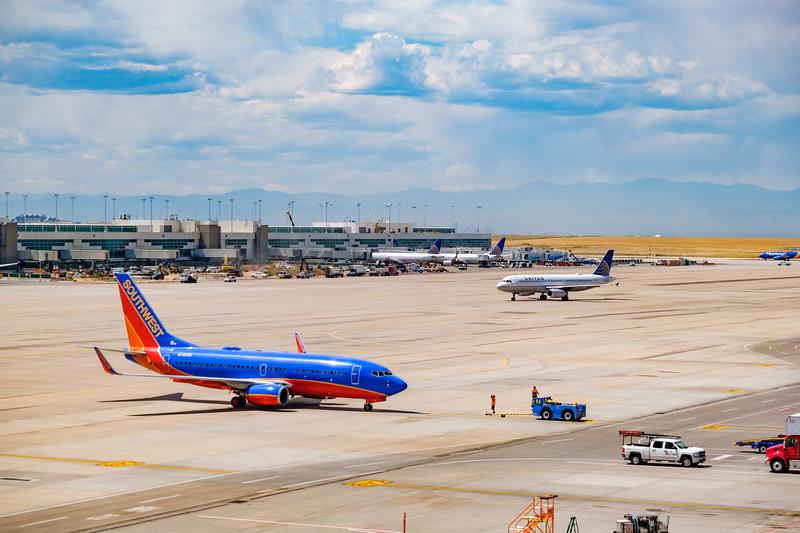 081220-airfield_southwest_united-421.jpg