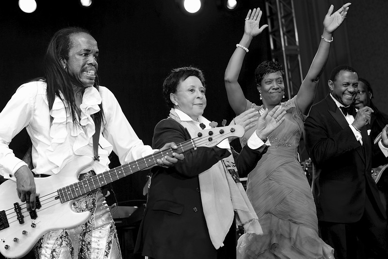 EARTH,WIND & FIRE W/ SHEILA JOHNSON. SALAMANDER RESORT. MIDDLEBURG, VIRGINIA. NOVEMBER 2013