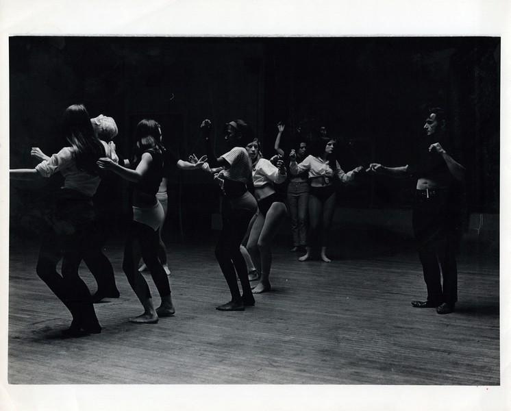 Dance_0204_a.jpg