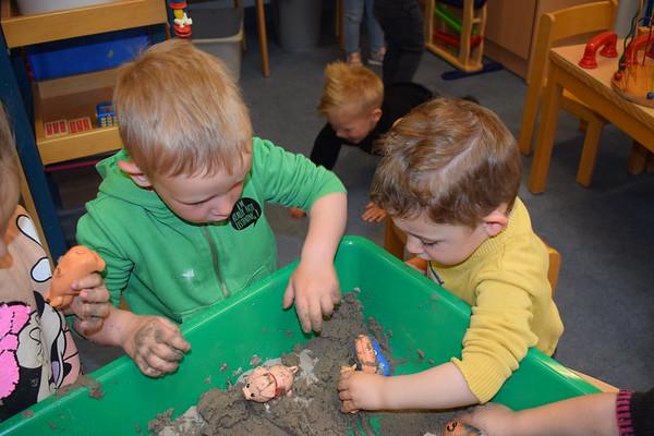 Groep 1: spelen in de modder en buiten spelen