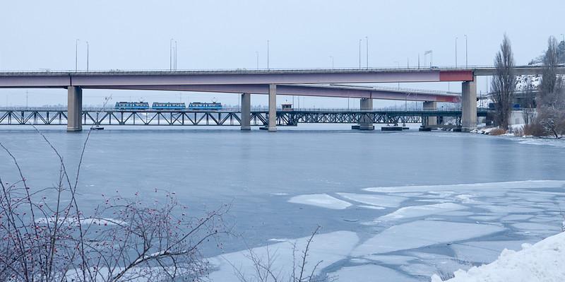 Lidingöbanan crossing the Lidingöbron heading to Torsvik.