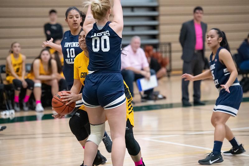 Basketball-W-2020-01-31-7860.jpg
