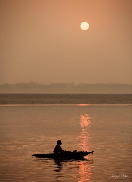 sunrise_on_ganges.jpg