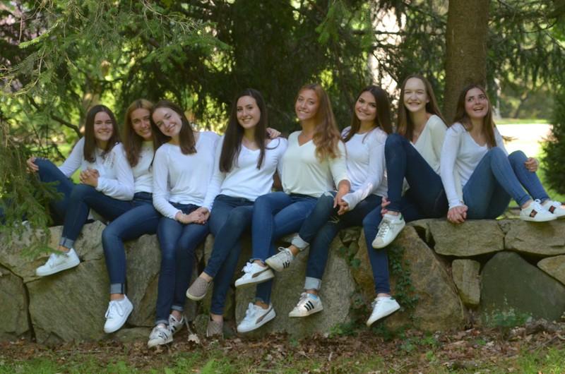Julia Friend Group Pics - 58 of 308.jpg