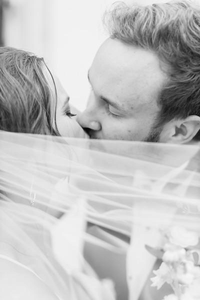 442_Ryan+Hannah_WeddingBW.jpg