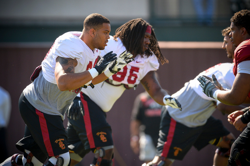 . USC�s Greg Townsend Jr. and Joey Augello run a drill during spring practice at USC Tuesday, April 15, 2014.  (Photo by David Crane/Los Angeles Daily News.)
