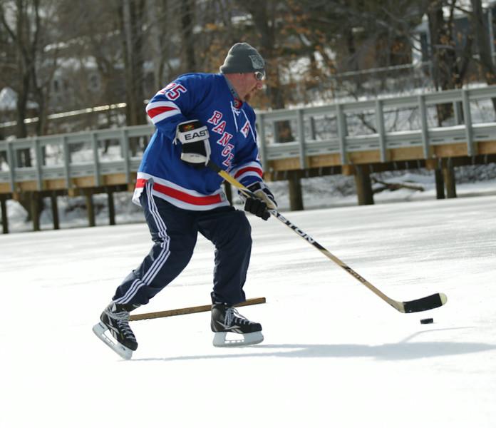 20140208_EMCphotography_PondHockeyCongersLakeNY-9.jpg