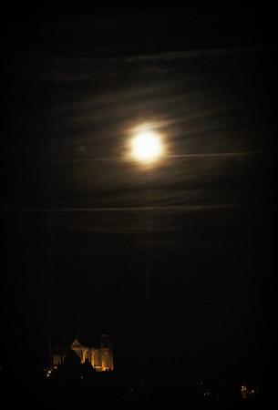 Cathédrale du Mans sous la lune