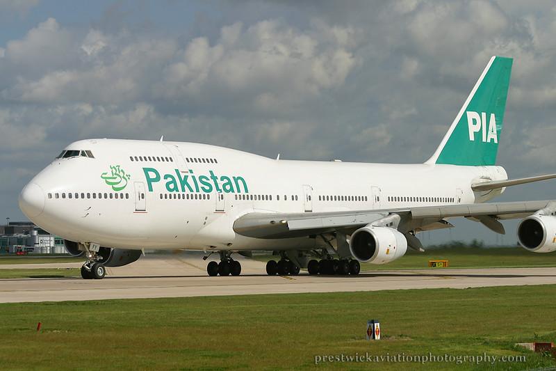 AP-BFY. Boeing 747-367. Pakistan International. Manchester. 100503.