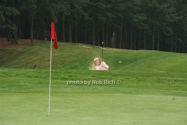 playing golf photo by Rob Rich © 2008 516-676-3939 robwayne1@aol.com