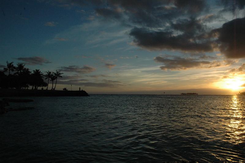 Hawaii - Ala Moana Beach Sunset-35.JPG
