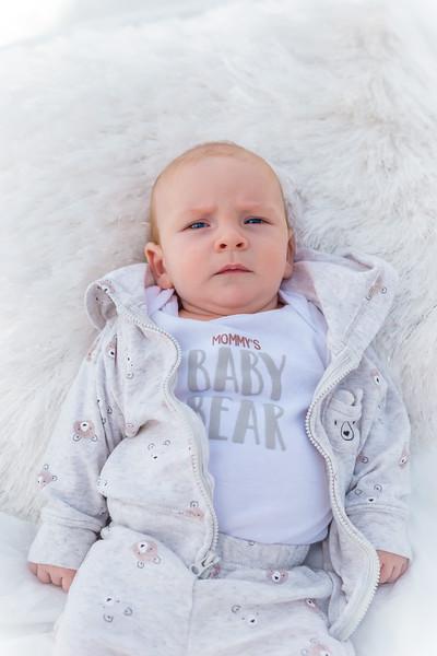 Sunday_Stills-Lennox_Baby_Photos-0265-Edit.jpg