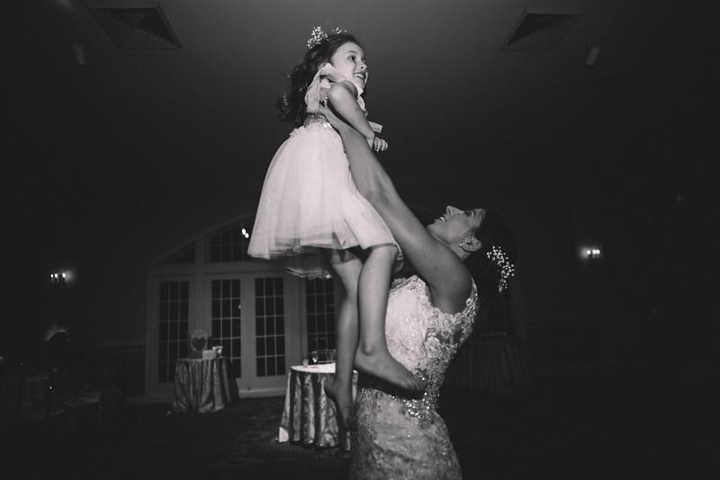 Philadelphia Wedding Photographer - Bernreuther-666.jpg