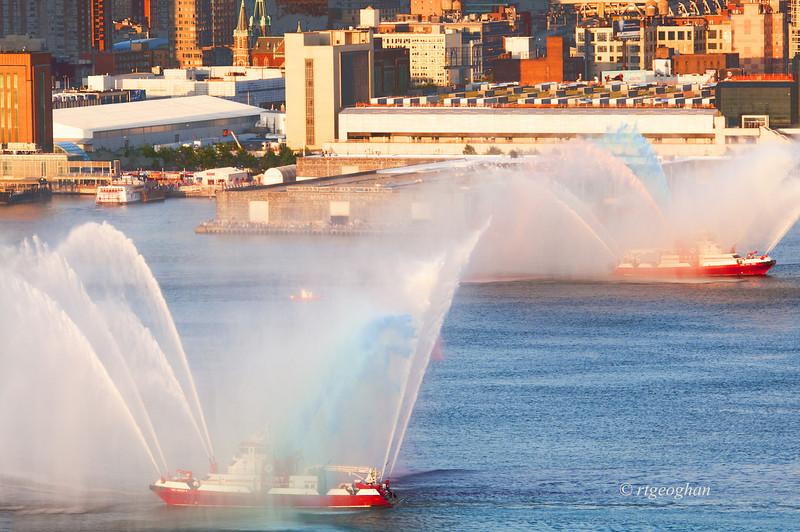 July 4_Fireboats Pre-Fireworks_1134.jpg
