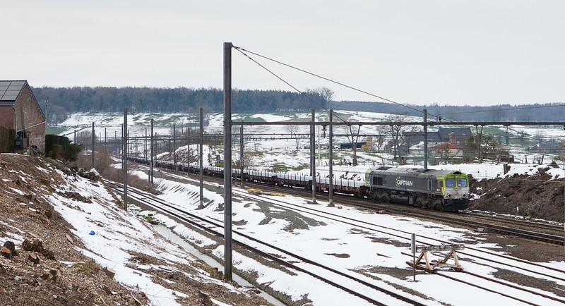 Captrain 6601 bringing the aluminum slab train 48515 (Kinkempois - Nievenheim/D) through Hindel over three hours down on the advertised.