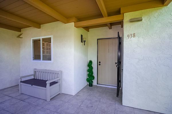 938 Knoll Vista
