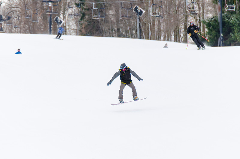 Opening-Day-Slopes-2014_Snow-Trails-70876.jpg