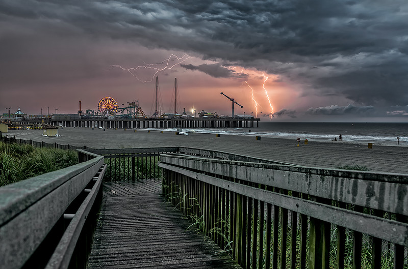 Lightning over the Steel Pier