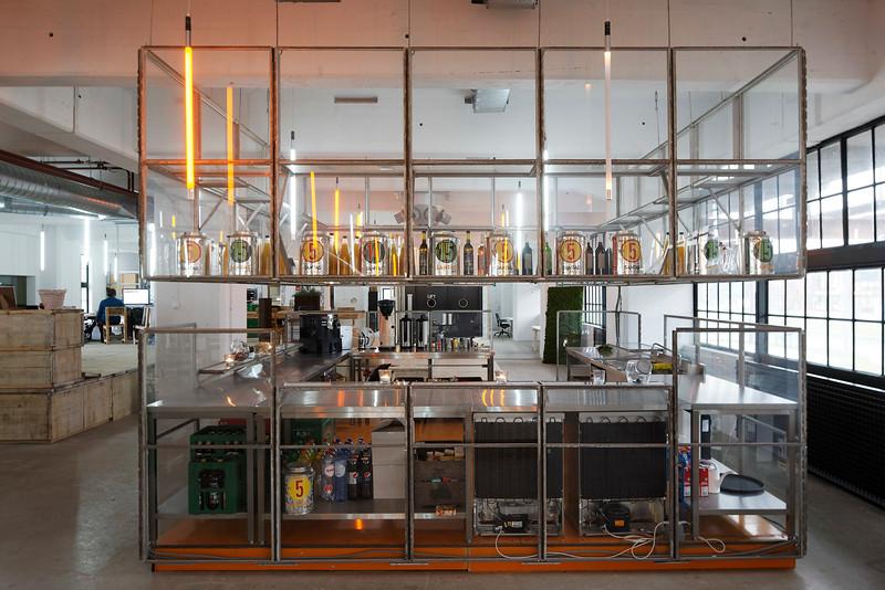 HAKA gebouw Rotterdam. Doepel Strijkers architecten