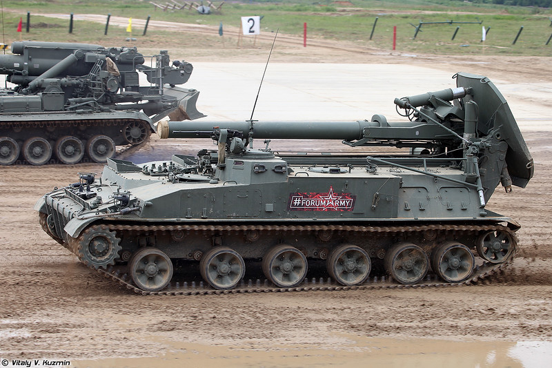2С4 Тюльпан (2S4 Tyulpan self-propelled mortar)