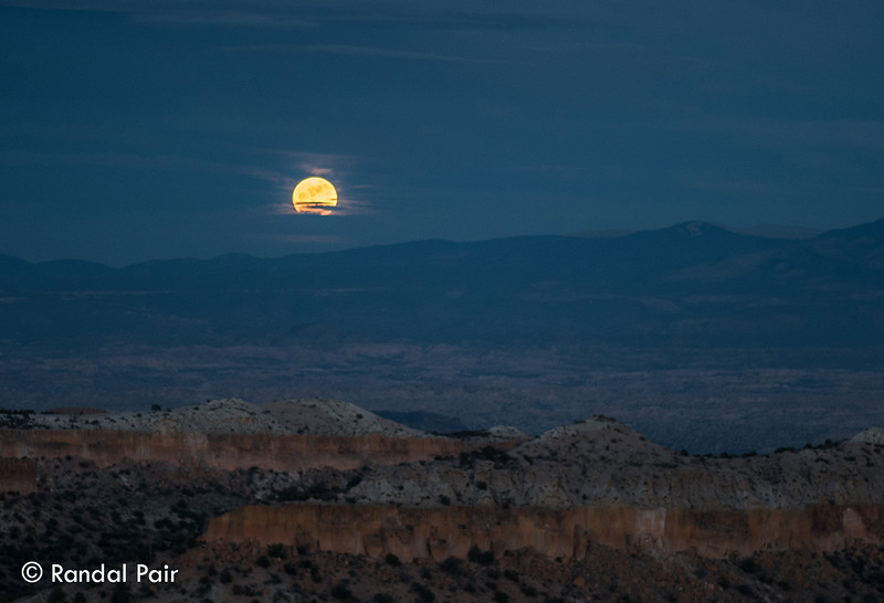 05 - Full moon rises over the Sangre de Christos.jpg