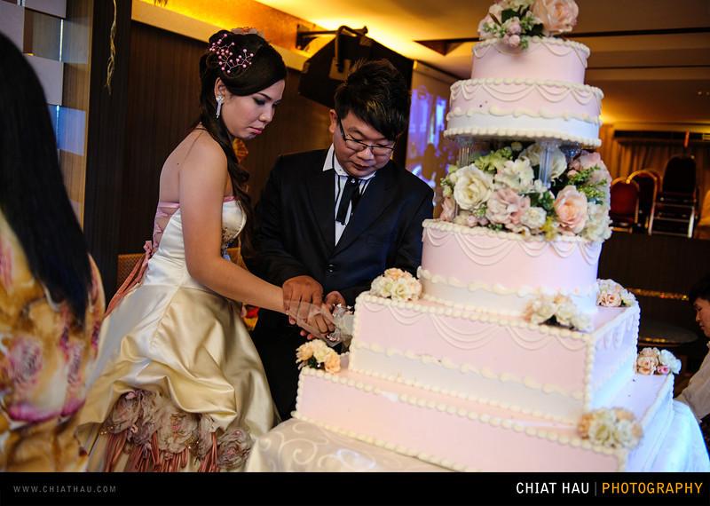 Chee Hou + Li Li - Actual Day Bride Dinner -_-94.jpg
