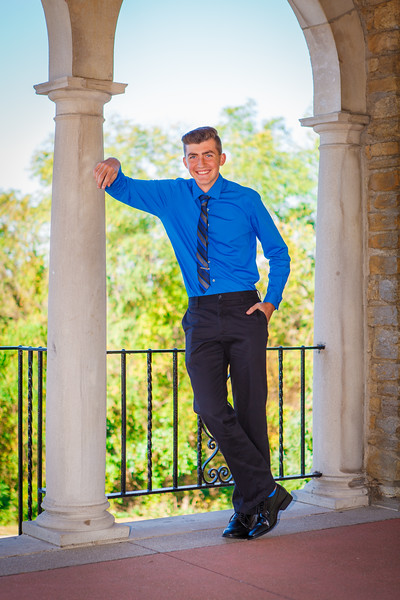 D. Curran Senior Pictures 2016-10.jpg
