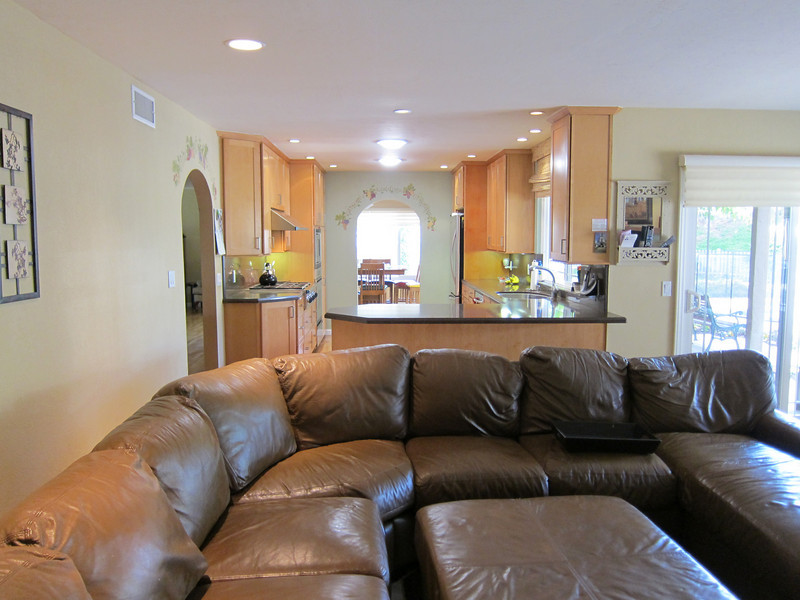 fair acres family room 3.jpg