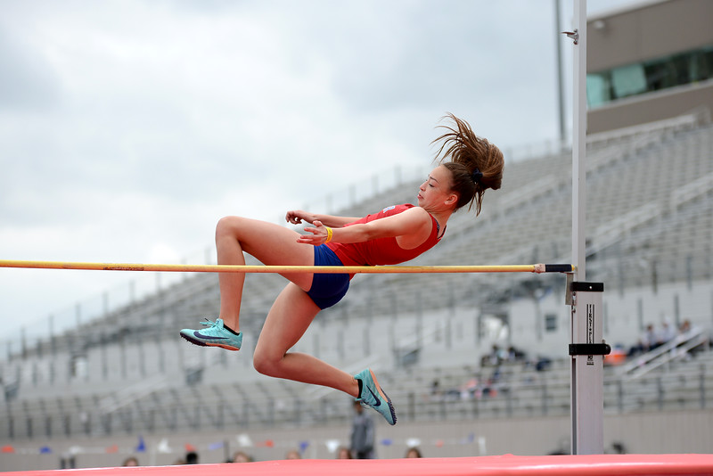 HS-Track-13-6A-District-Championships_014.jpg