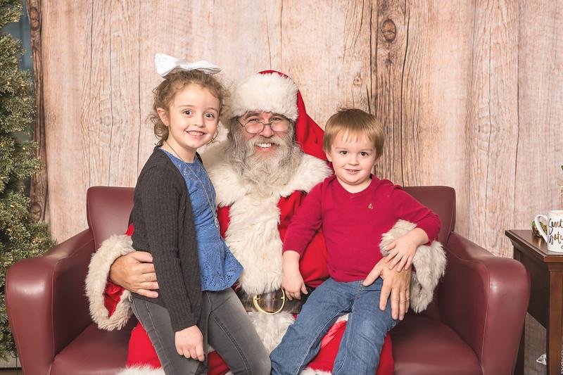 Ameriprise-Santa-Visit-181202-4902.jpg